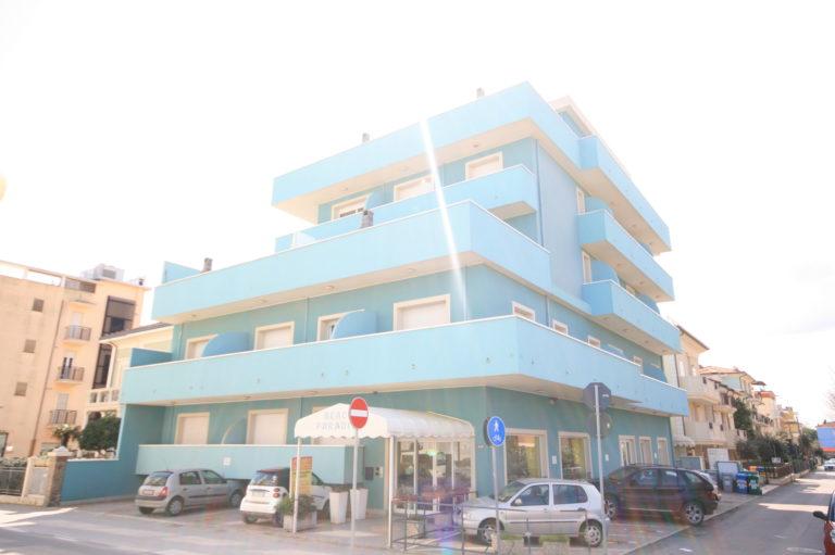 Appartamenti al mare - Residence riccione con piscina ...